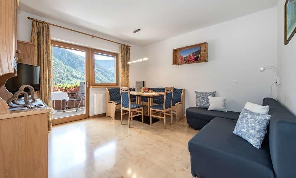 Alloggi Val di Funes: Appartamenti spaziosi e confortevoli nella Living Puez